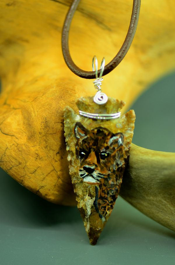 "Delaware – Hand Knapped/Painted Leopard Arrowhead Pendant by Pat Discher and Christine ""Arrow Shooting Morning Star"" Stiefel"