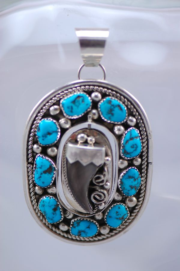 Navajo – Small Black Bear Claw and Kingman Turquoise Spinner Pendant
