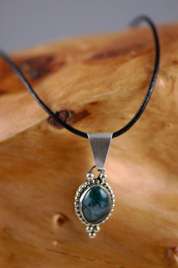 Navajo – Sterling Silver Agate Pendant by Sammy Eagle