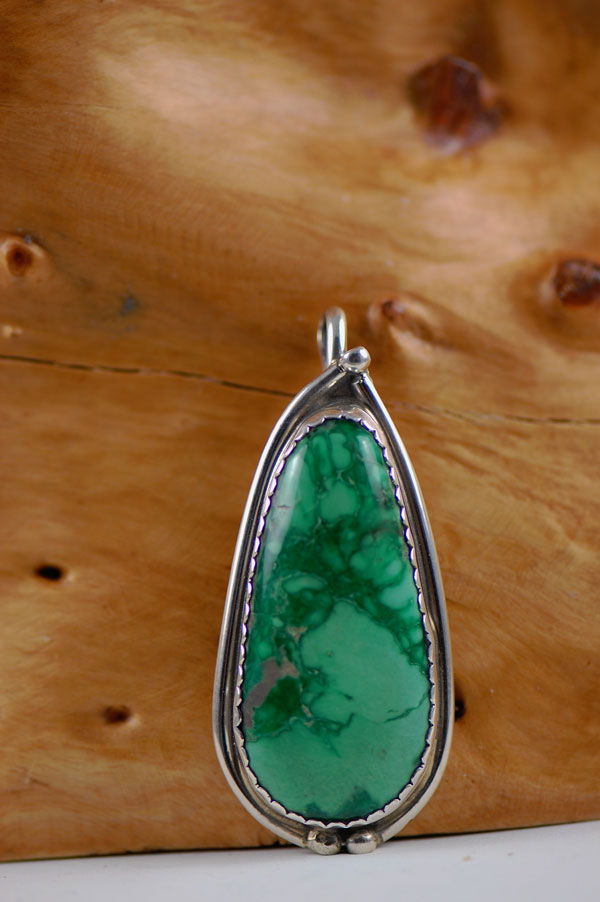 Navajo – Varasite Sterling Silver Pendant by Eric Fierro