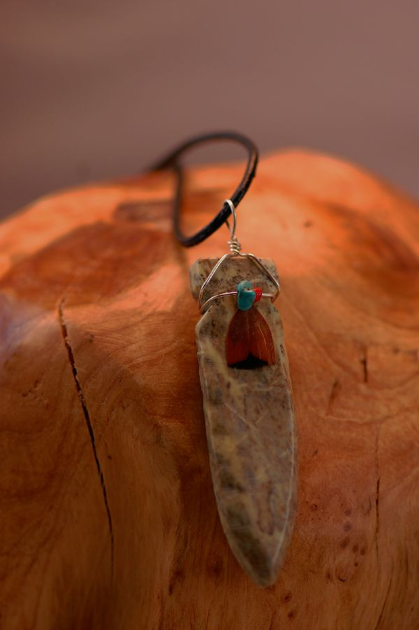 Navajo � Hand Carved Salt River Canyon Serpentine Arrowhead Pendant by DuWayne Turpen