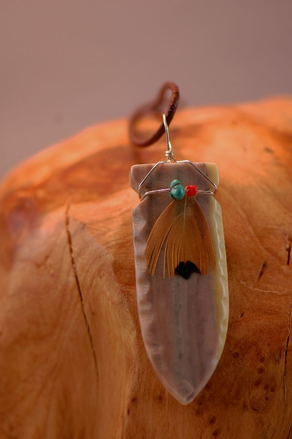 Navajo – Hand Carved Salt River Canyon Serpentine Arrowhead Pendant by DuWayne Turpen