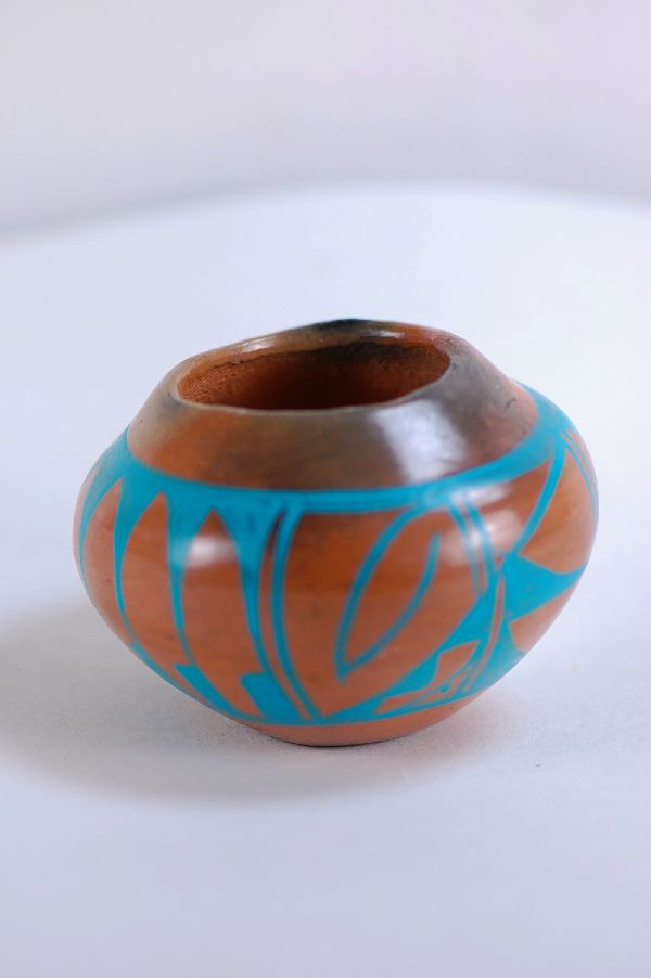 Navajo – Pottery by J. Whitethorne