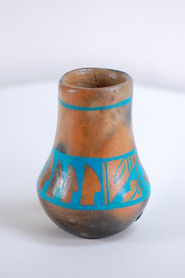 Navajo � Pottery by J. Whitethorne
