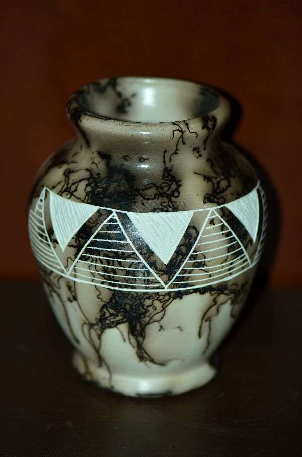 Laguna/Cochiti Pueblo – Etched/Carved Horse Hair Pottery Vase by West Mountain