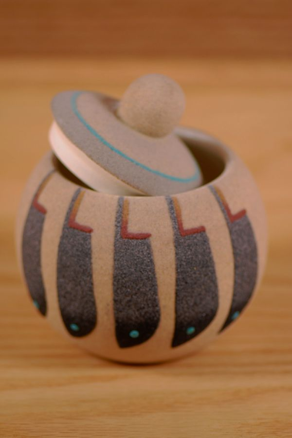 Navajo – Sandpainting Guardian Bear Pottery Vase by P. Morgan
